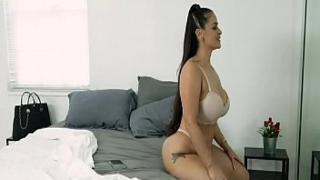 Family Strokes - Displinary Actions Turned Hardcore Fucking With Stepmom (Miss Raquel)